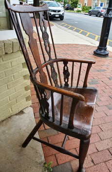 Early 18th Century English Comb-Back Windsor Armchair, Ash, Elm, Walnut