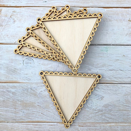 10 Pack Bunting Frame Scallop