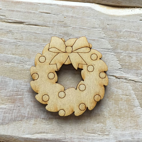 12 Pack Wooden Christmas Wreaths