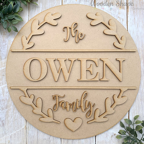 30cm MDF Circle with 2 Piece Laurel Hoop Family Sign CP
