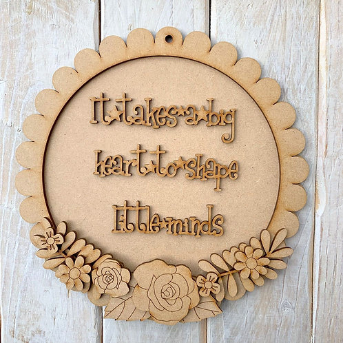 Layered Round Scallop Edge Frame Kit 20cm Big Heart