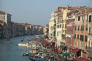 veneciya-bolshoy-kanal-ekskursii-po-venecii-na-russkom