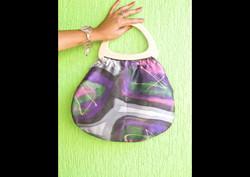 Bolsa em seda pintada