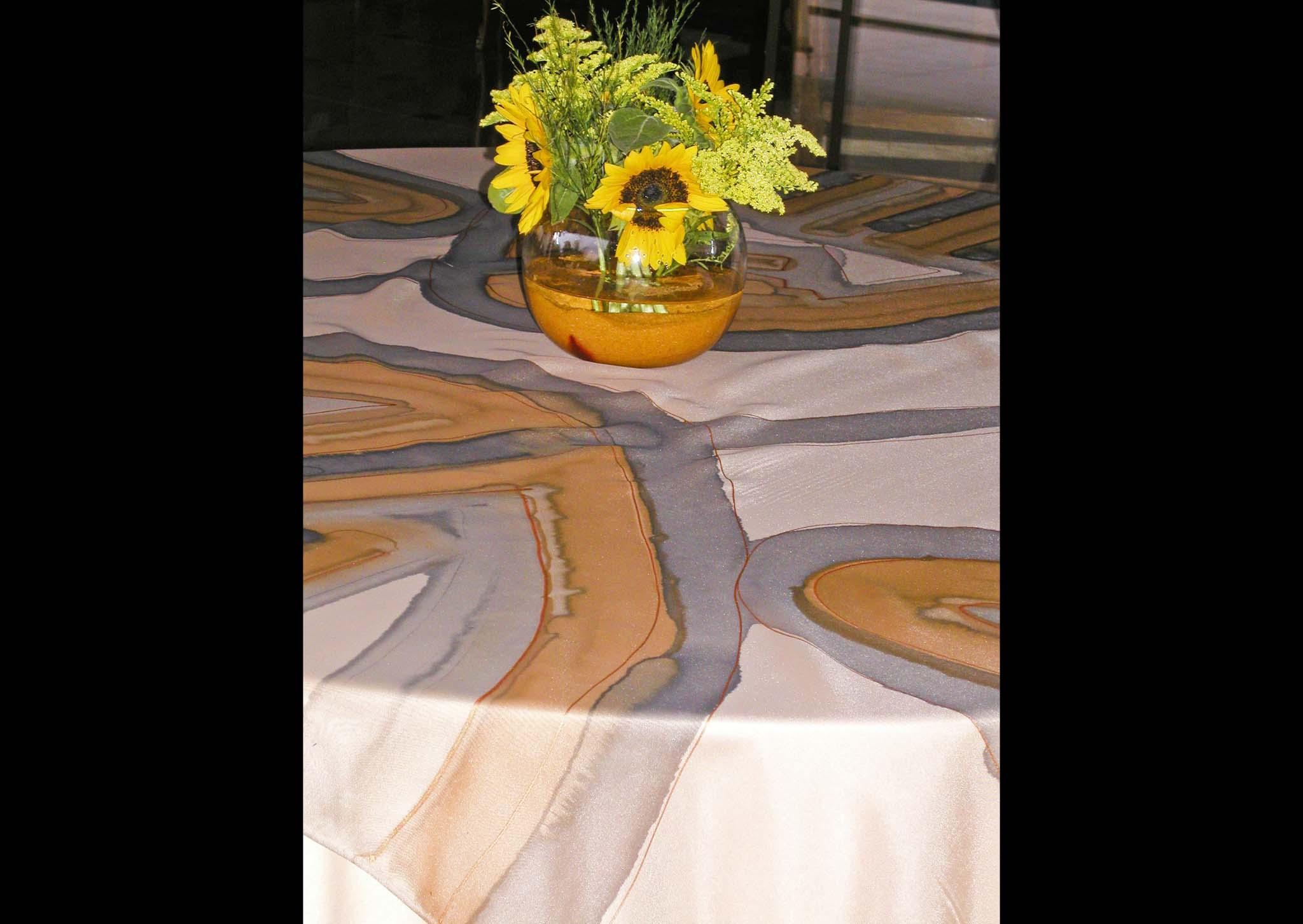 Toalha de mesa em voile pintado