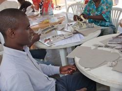 Oficina de papel machê em Luanda