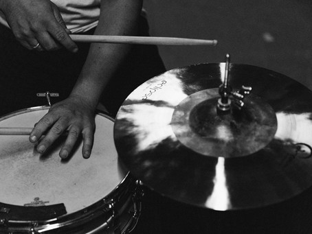 Fall in love with playing the drums
