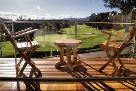 Mesa y sillas en madera #teka lacadas en