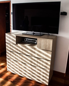 Mueble auxiliar para televisor fabricado