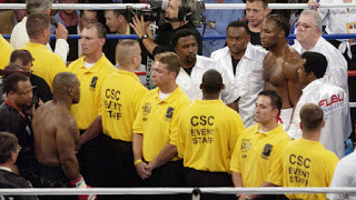 Security before the fight meant the two fighters didn't touch gloves before the encounter
