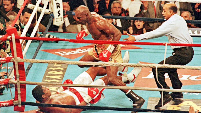 Holyfield landed a good left hook