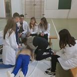 as estudiantes de auxiliar de enfermería