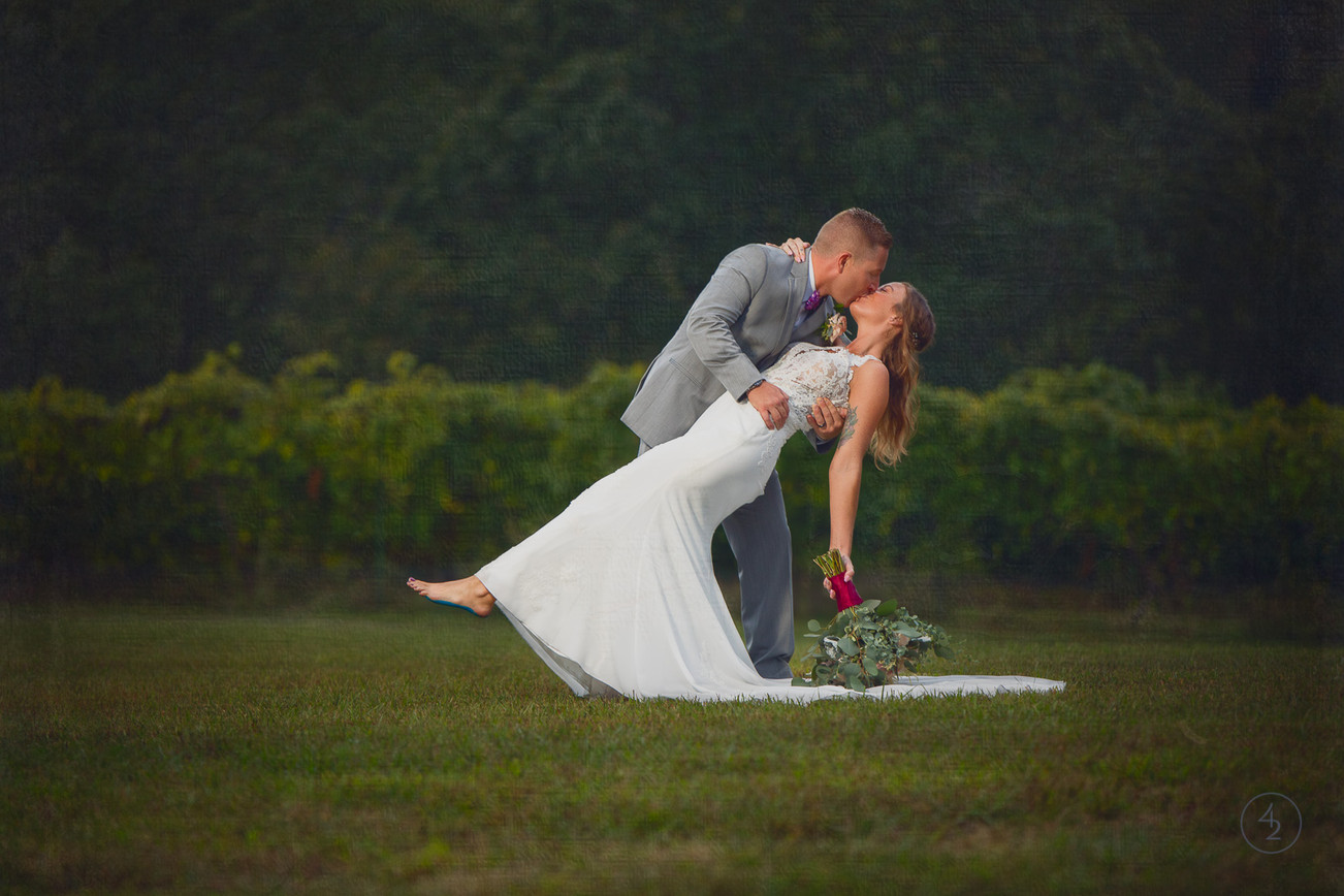 Seven-Springs-Winery-Lake-Ozark-Wedding