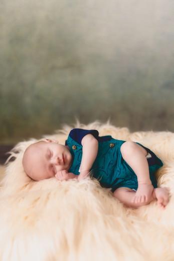 Killian Newborn-530-Edit.jpg