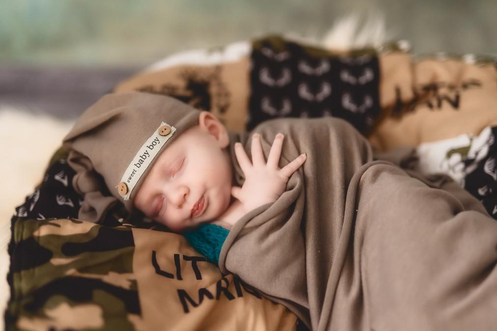 Killian Newborn-715-Edit.jpg