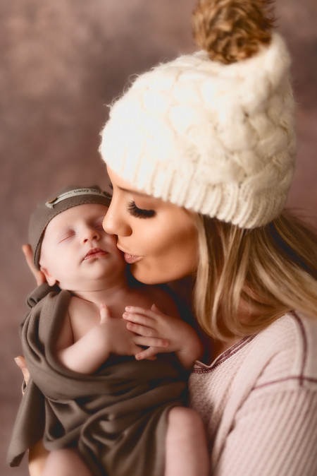 Killian Newborn-855-Edit.jpg