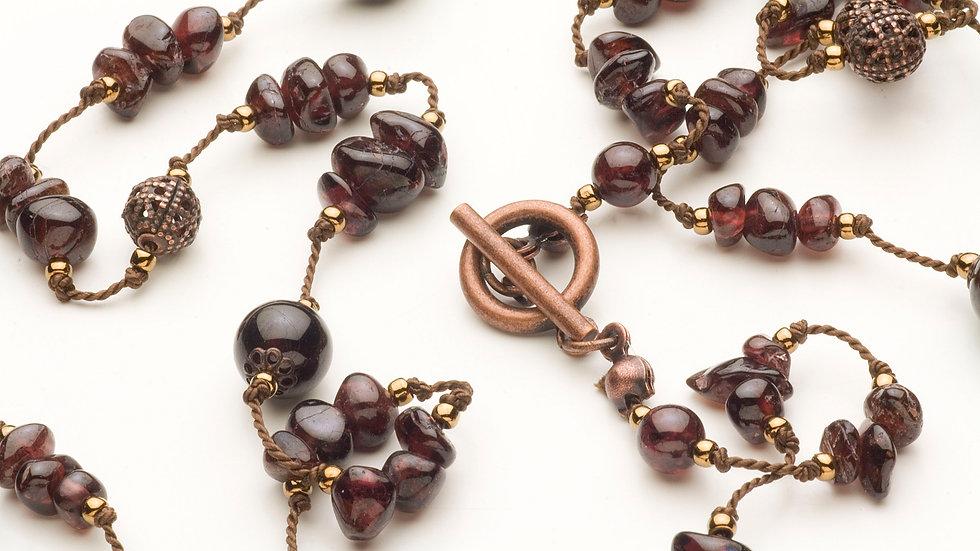ガーネット(柘榴石)のネックレス