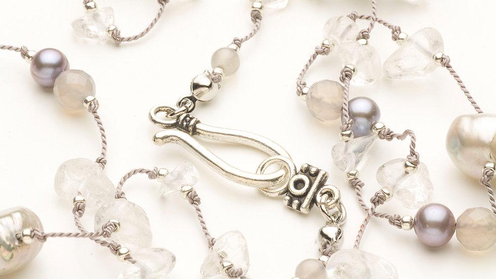 水晶(さざれ石)のネックレス