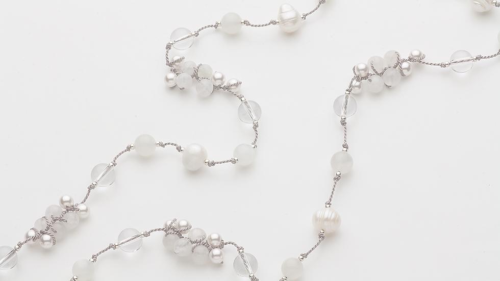 ムーンストーン(月長石)のネックレス
