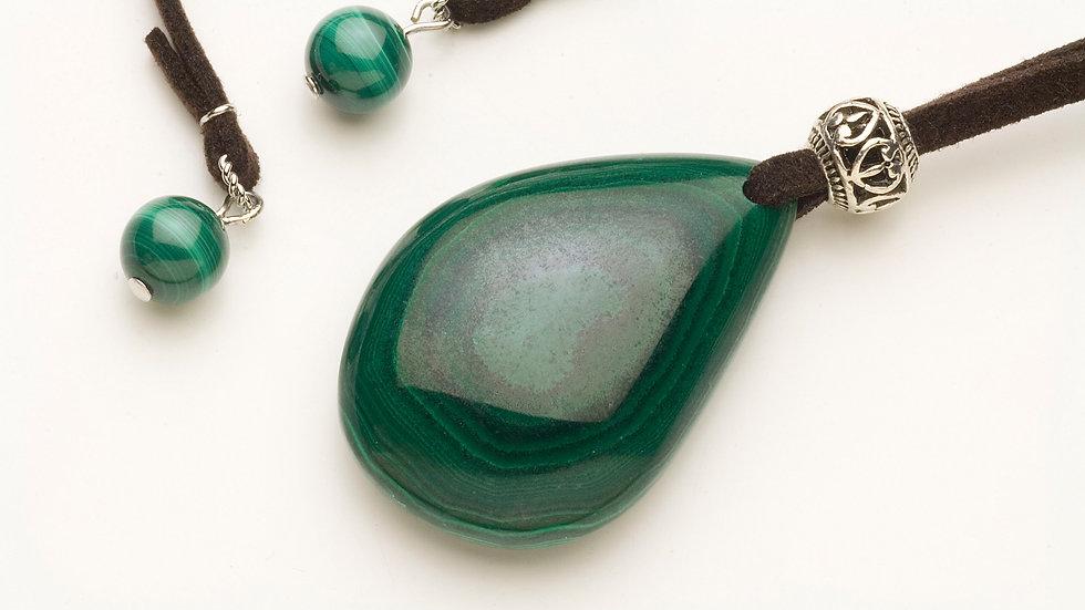 マラカイト(孔雀石)のネックレス