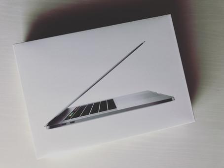 Macbook Pro 2018 来た!