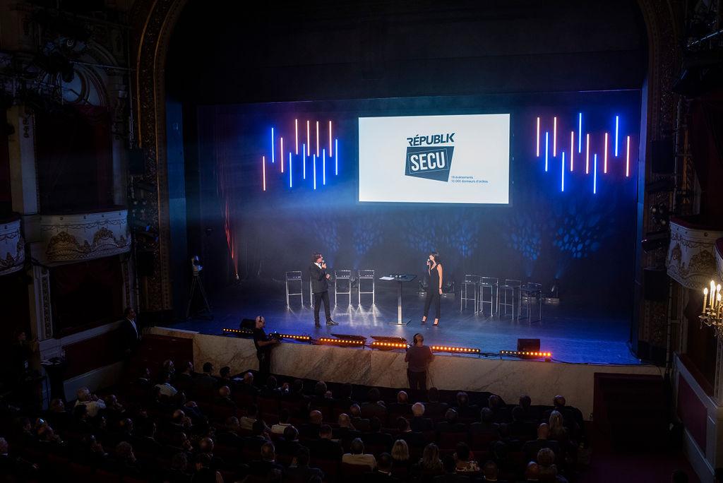 Des interventions commerciales (et scénarisées) sur scène et grand écran