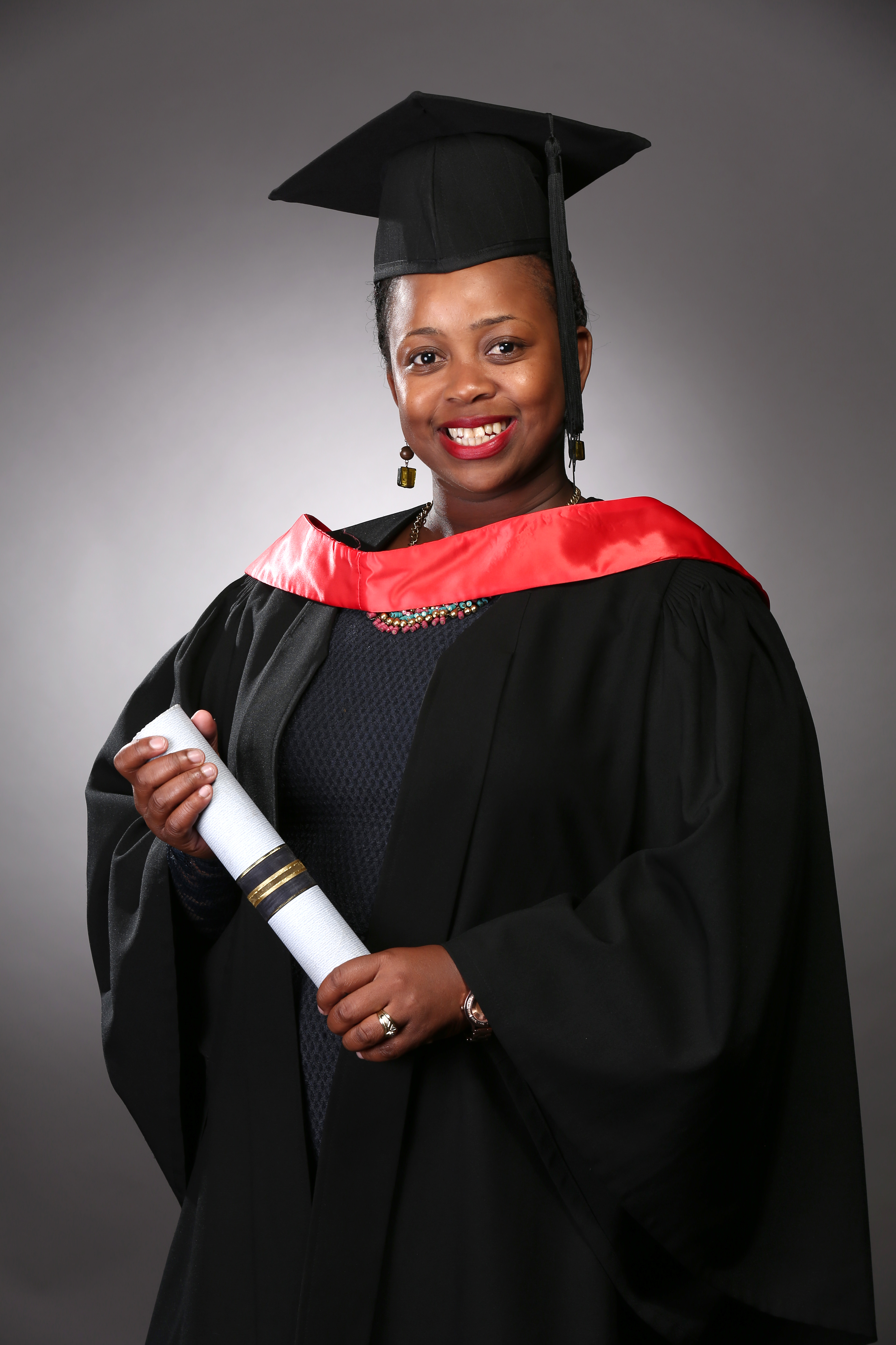 Graduation portraiture, female