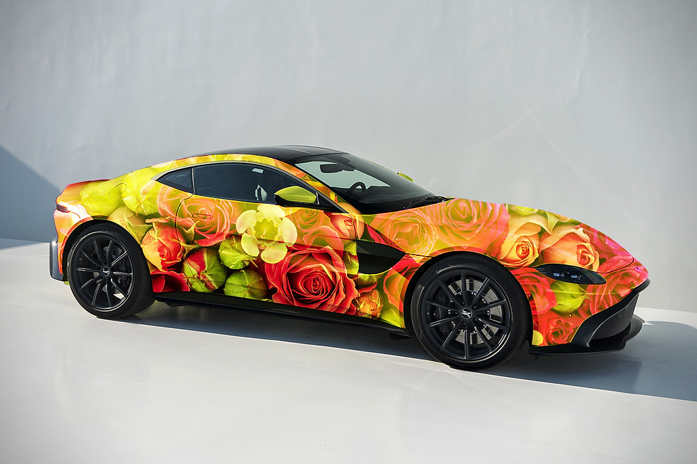 Aston Martin Vantage Roses,