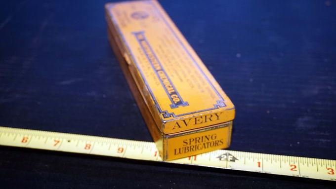 Avery Spring Lubricators Tin Box