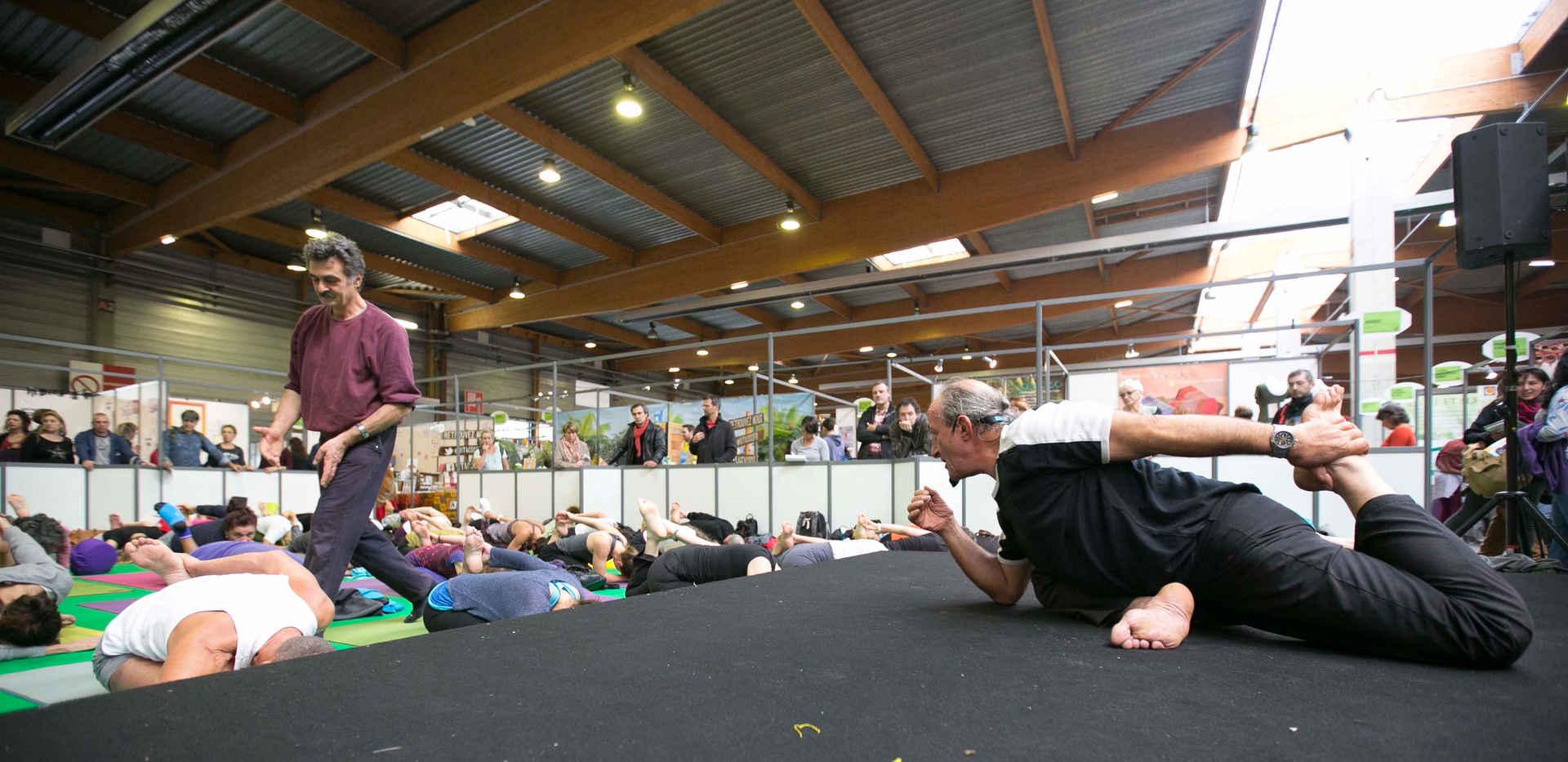 Cours au festival de Yoga à Paris