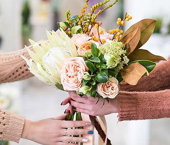 giving-flowers-3.jpg