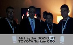 Toyota-Ceo-AliHaydarBozkurt ve KarsilikliTasin Ekibi.jpg