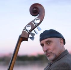 Roberto-Vally-Bass-3.jpg