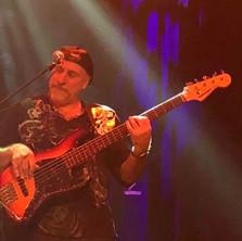 Roberto-Vally-Bass-5.jpg