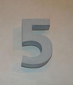 Betonzahl 5
