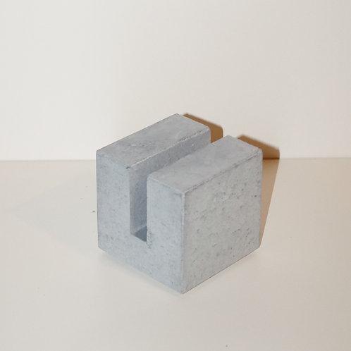 Kartenhalter aus Beton