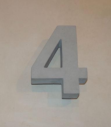Betonzahl 4