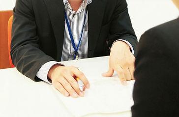 ビジネスパーソンの会議の写真