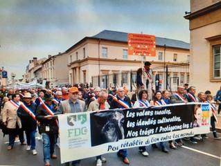 Manifestation à Mont de Marsan pour soutenir les chasses traditionnelles et notre ruralité.