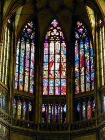 Praha Castle: stained glass