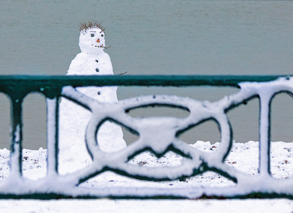 Snowman and Railings, Hove