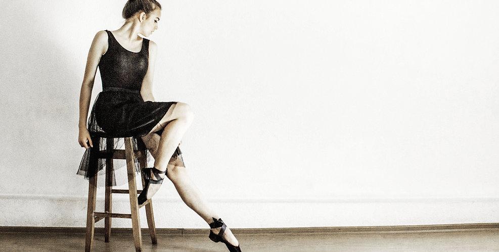 ballerina-ballet-ballet-dancer-576801.jp