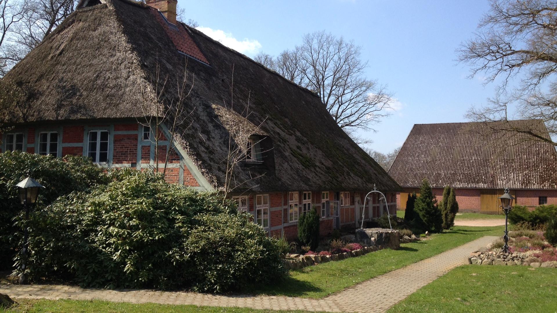 Degenhof Altes Haus Hinten.JPG