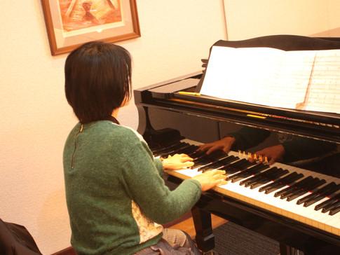ピアノ伴奏にもチャレンジ