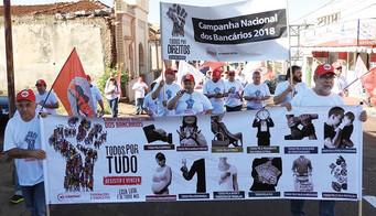 Bancários lançam campanha salarial em Barretos