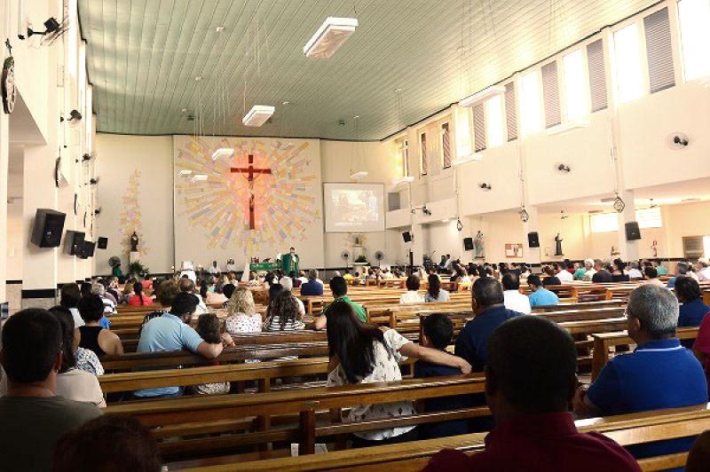 Celebrações religiosas na igreja de São Benedito marcam a festa do padroeiro (Foto: Aquino José)