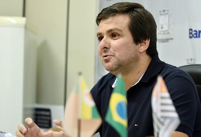 Secretário de Saúde, Alexander Stafy Franco revela que o centro de reabilitação é referência no município. (Foto: Aquino José)