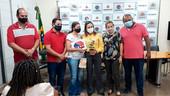 """Moradores do conjunto """"Habitar Brasil"""" do bairro Nova Barretos recebem escrituras definitivas"""