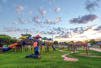 Playground da Região dos Lagos recebe limpeza para receber até 60% do público