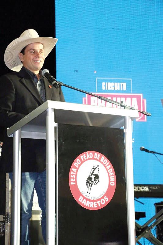 Em seu discurso de posse, Ricardo Bodinho apresentou projetos para sua gestão (Foto: Leandro Gasparetti)