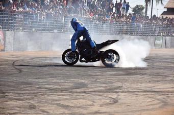 Barretos Motorcycles recebe equipes profissionais de manobras radicais